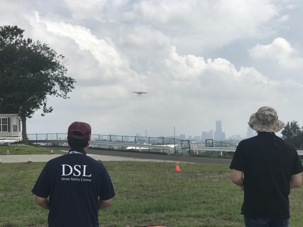 飛行時間(10時間)証明取得コース(国土交通省航空局が公開している無人航空機フライトトレーニングマニュアルに沿った訓練を行ないます。 10時間の飛行証明発行にて、国土交通省飛行申請条件の飛行時間証明をクリア出来ます。