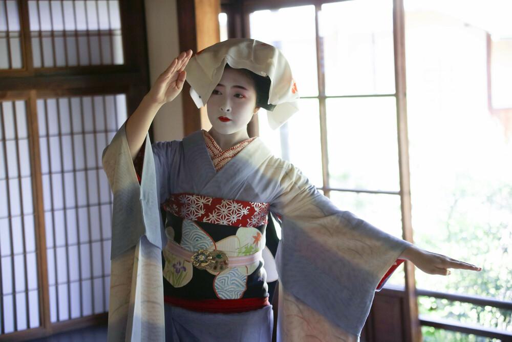 4月25日(日)二人舞妓さん!小晶さんと富美鶴さん応援の舞の鑑賞と撮影会